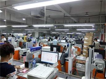 塑胶材质激光打标生产现场 (2)