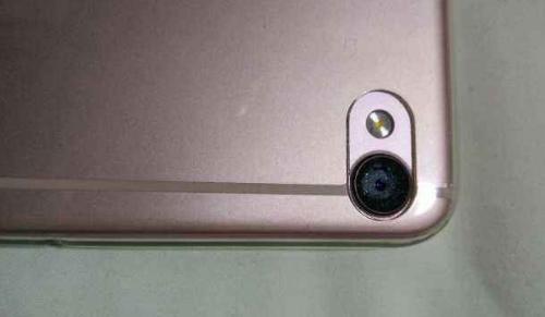 手机摄像头激光打标图